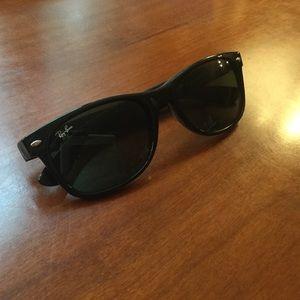 Ray Ban Wayfarer Sunglasses